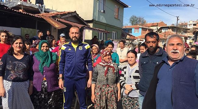 AK Parti'li Muştu, Romanlar Günü'nü kutladı