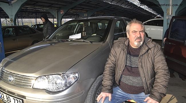 OTO PAZARI SİNEK AVLIYOR