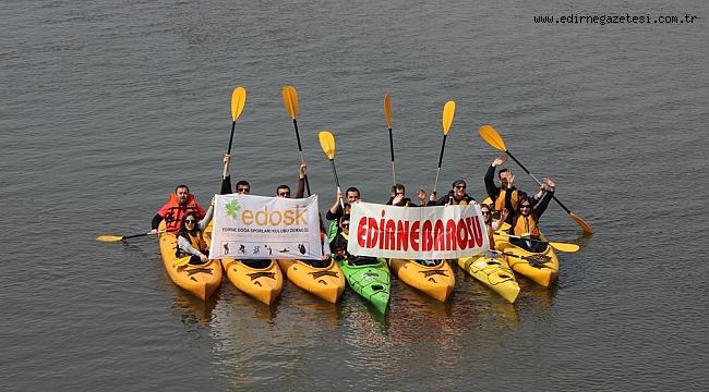 Avukatlar Meriç Nehri'nde kürek çekti