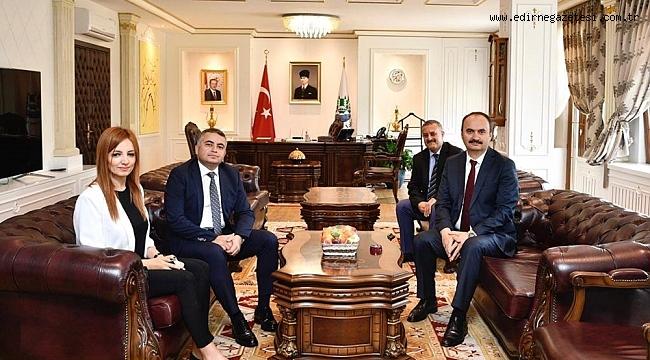 VALİ CANALP'E  ZİYARET