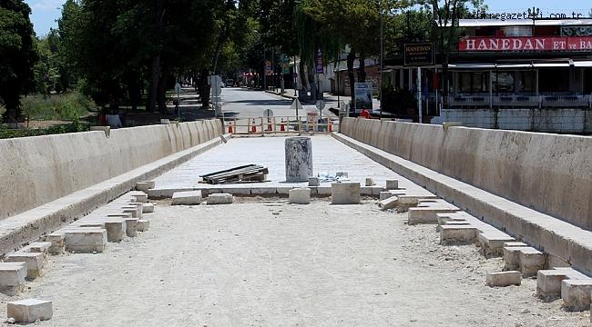 PARA BİTTİ, RESTORASYON PAYDOS