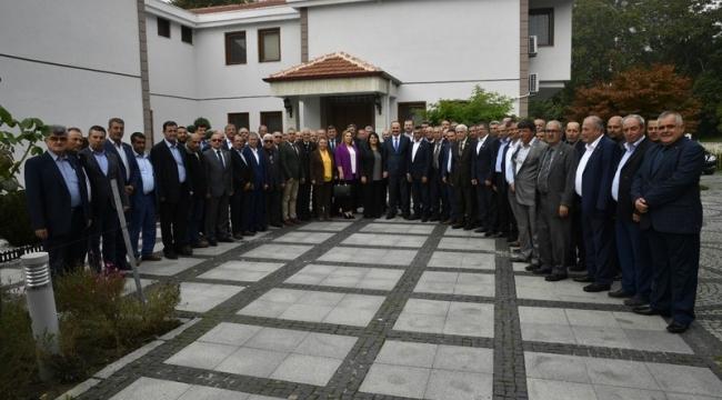 VALİ CANALP, MUHTARLARLA KAHVALTIDA BİR ARAYA GELDİ