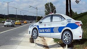 MAKET POLİS ARAÇLARI KAZLARI AZALTTI MI?