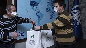 Edirne'de gazetecilere koruyucu hijyen malzemesi dağıtıldı