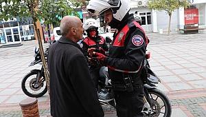 Edirne'de sokakta gezen 65 yaş üstü vatandaşlar uyarılarak evlerine gönderildi