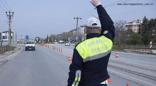 Edirne'de sürücüler mecbur kalmadıkça şehir dışına çıkmamaları konusunda uyarıldı