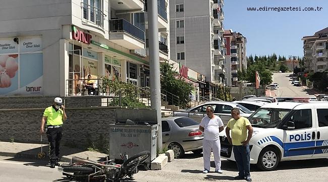 Edirne'de otomobille çarpışan motosikletin sürücüsü yaralandı