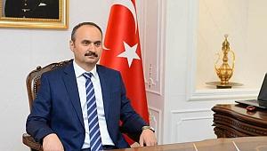 Ekrem Canalp,19 Mayıs Atatürk'ü Anma, Gençlik ve Spor Bayramı nediyle mesaj yayımladı.