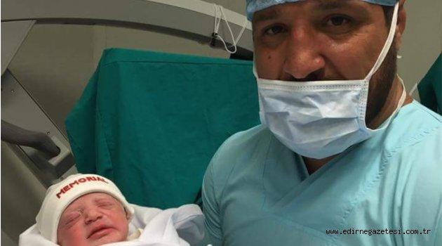 Başpehlivan üçüncü kez baba oldu
